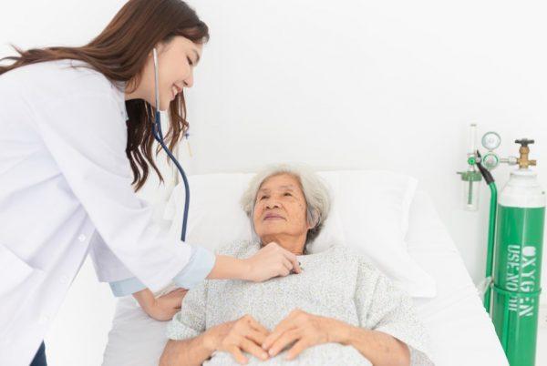 ตรวจสุขภาพผู้สูงอายุ เตรียมตัวอย่างไรและในเบื้องต้นควรตรวจอะไรบ้าง