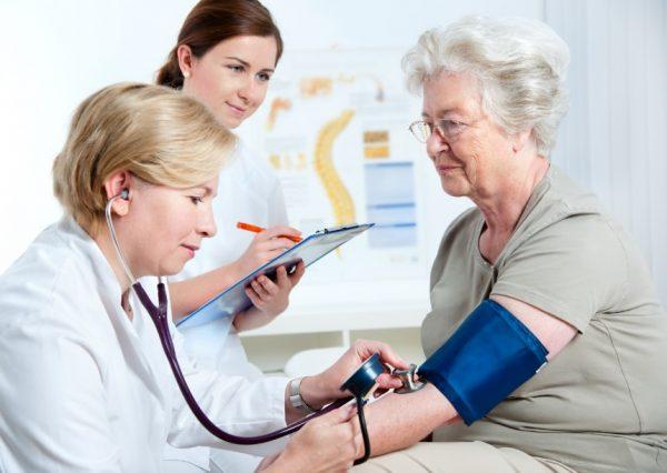 ตรวจสุขภาพผู้สูงอายุ ในเบื้องต้นควรตรวจอะไรบ้าง